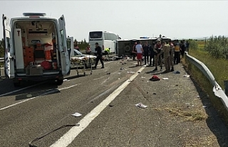 Türkiye'de işçileri taşıyan midibüs devrildi:...