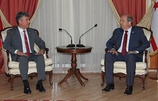 Başbakan Ersin Tatar, Karakoç'u kabul ederek,...