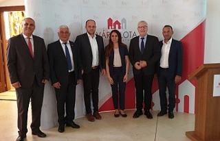Belediyeler Birliği heyeti Macaristan'da toplantı...