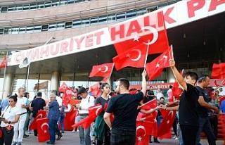 CHP'de sonuçlar sevinçle karşılandı