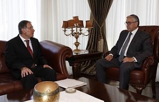 Cumhurbaşkanı Akıncı, Kamu Hizmeti Komisyonu Başkanı...