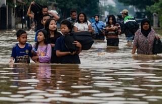 Endonezya'da hafta sonundan bu yana 20 bin kişi...