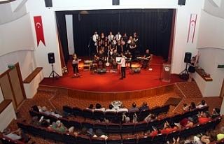 Ertelenen Koro konseri gerçekleşti