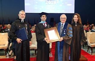 GAÜ 33. dönem mezunları diplomalarını aldı