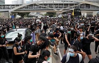Hong Kong sokakları yeniden karıştı
