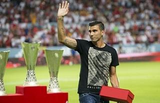 İspanyol futbolcu Reyes, trafik kazasında hayatını...