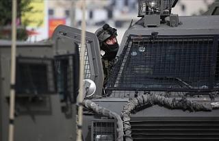 İsrail polisi Kudüs İşleri Bakanı Fadi El-Hedmi'yi...