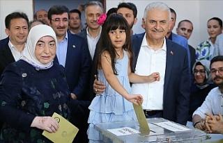 """""""İstanbul halkının verdiği kararın başımız..."""