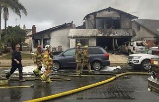 Kuzey Carolina'da uçak evin üstüne düştü:...