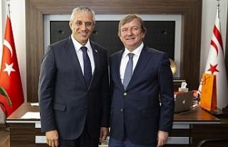 Kuzey Kıbrıs Turkcell Genel Müdürünü kabul etti