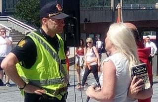 Norveç'te İslam karşıtı gösteride Kur'an-ı...