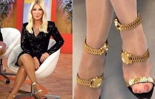 Seda Sayan, giydiği saatli ayakkabıyla sosyal medyada...