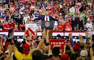 Trump  seçim kampanyasına başladı