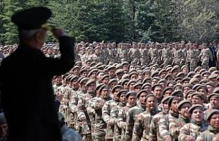 Türkiye'de yeni Askerlik sistemi yürürlüğe...
