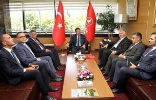 Bakan Üstel, Anadolu Jet ve THY yetkilileri ile biraraya...