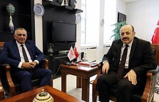 Çavuşoğlu, YÖK Başkanı Prof. Dr. Yekta Saraç...