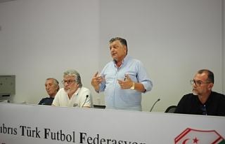 Futbol Federasyonu, Yılmaz Vural'ı ağırladı