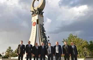 Kaymakamlar Ankara'da Şehitler anıtını ziyaret...