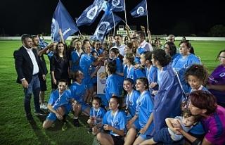 Kuzey Kıbrıs Turkcell Kadın Futbol Ligi'nde renkli...