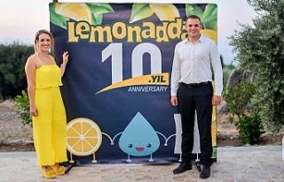 """""""Lemonadda"""" 10 yaşında"""