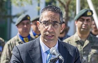 """Rum Savunma Bakanı: """"Kıbrıs bir savaş bölgesinde..."""