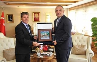 Üstel, Ankara'da mevkidaşı Ersoy ile görüştü