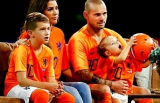 """Wesley Sneijder, Türk medyasına çattı: """"Beyni..."""