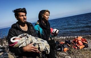 Yunanistan Ege'deki düzensiz göçmenleri zeplinle...
