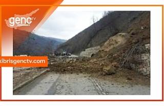 Alevkayası – Esentepe Anayolu'nda toprak kayması