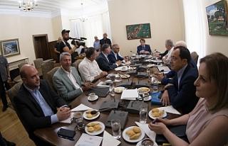 Anastasiades, görüşme öncesi siyasi partiler ile...