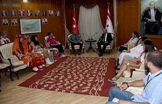 Başbakan Tatar 6. halk dansları ve barış festivali'ne...