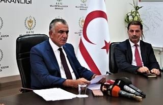 """Çavuşoğlu: """"Ortada sansür de, yasaklama da..."""