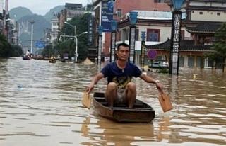 Çin'de sellerde en az 200 kişinin hayatını...