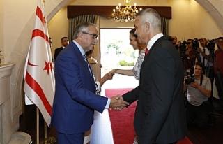 Cumhurbaşkanı Mustafa Akıncı, bayram tebriklerini...
