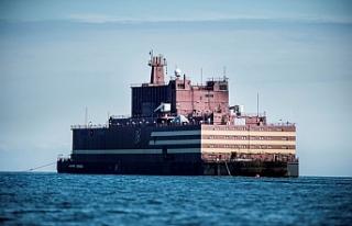 Dünyanın ilk yüzer nükleer güç santrali yola...
