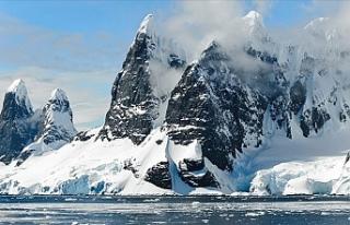 Grönland'da temmuzda 197 milyar ton buz eridi