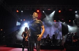 Haluk Levent'ten Yeniboğaziçi'nde konser