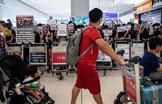 Hong Kong Uluslararası Havalimanı'ndaki protesto...