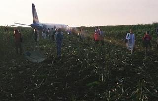 Kuş sürüsüne denk gelen Rus yolcu uçağı mısır...
