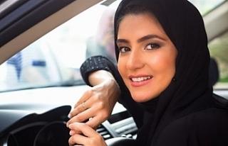 Suudi Arabistan'da kadınlar erkek refakati olmadan...