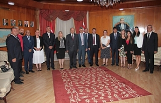 Tatar, Başbakanlık personeli ile bayramlaştı