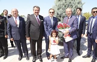 """Tatar: """"Türkiye ve hak ve çıkarlarınızı..."""