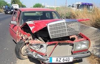 Ters yöne giren 70 yaşındaki sürücü çarpışmaya...
