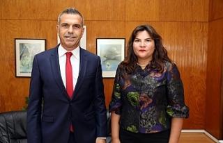 Uluçay, İstanbul Konsolosluğuna atanan Çınar'ı...