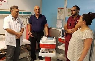 Ahmet Sanverler, Acil Servise EKG cihazı bağışladı