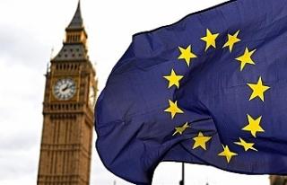Anlaşmasız Brexit'i önleyecek tasarıya Kraliçe'den...