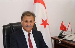 Bakan Pilli, Oktay Feridun için mesaj yayınladı