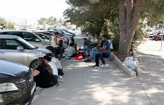 CAS çalışanlarından Başbakanlık önünde oturma...