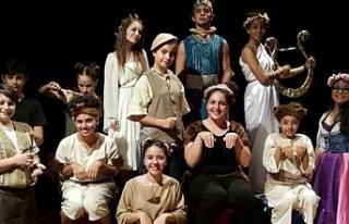 Gibetsu, 2. Maltepe Uluslararası Tiyatro Festivali'ne...