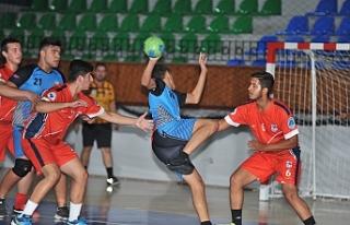 Hentbol U20'ler Girne'de